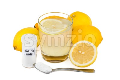 Common home remedy to treat gout inflammation - Lemon juice mixed with baking soda. Stock Photo
