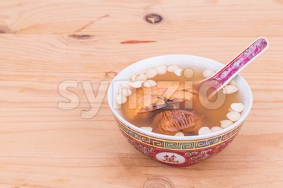Chinese nourishing tonic soup to relieve cough Stock Photo
