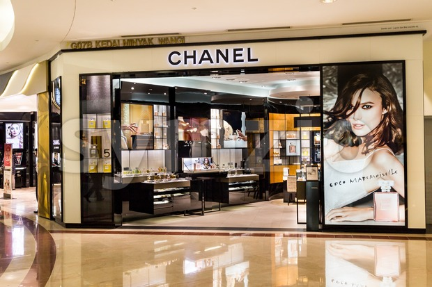 KUALA LUMPUR, MALAYSIA, May 20, 2016: A CHANEL outlet at KLCC, Kuala Lumpur. CHANEL operates some 310 Chanel boutiques worldwide. Coco Chanel was Stock Photo