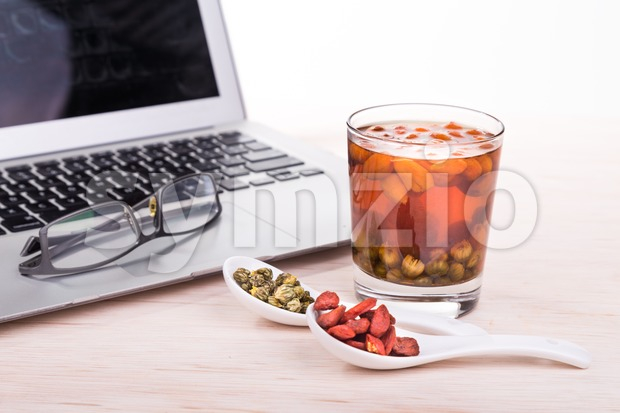 Goji berries or Wolfberry, Chrysanthemum tea remedy to improve eyesight Stock Photo
